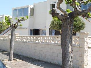 Barcares  T2 climatise + Terrasse 60 m2, 4 couchages, Bord de mer barcares plage