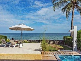 Beachfront house med äkta strandläge. Egen jaquzzi, 10 meter från swimmingpool.