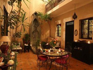 Dar Zinnia. Riad authentique. Quartier typique. Service chaleureux.Exclu ou B&B