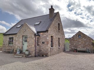 Breifne Cottage, Traditional Stone Cottage with Views over Dunfanaghy Bay