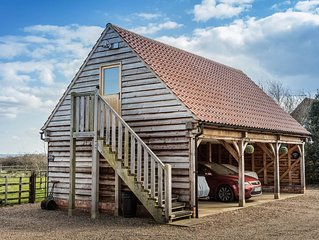 THE OAKLOFT a rural getaway within easy reach of the Cathedral City of LIncoln