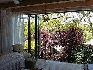 Cape Town, Constantia, 'Tree House' Studio Apartment