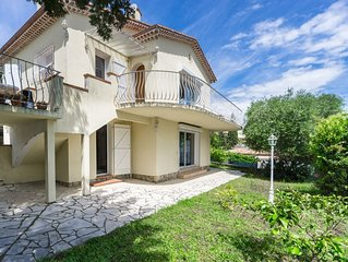 Grande maison calme, vue imprenable sur la baie de Cannes, pour 2 à 6 personnes