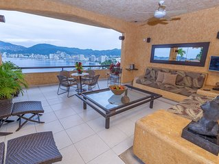Beautiful House with gorgeous view to the bay / Includes housekeeping and cook