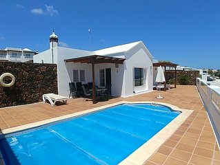 Detached 3 bed upmarket  Villa with Private Pool and unspoilt view to the ocean.