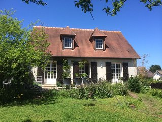 Villa classée avec grand jardin 15 pers 300 m de la plage et 200 m des commerce