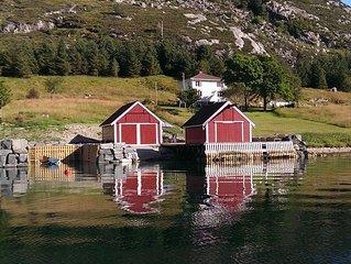 Idyllic cottage in beautiful Berle. Fishing, boating, swimming, hiking, bryggeli