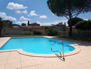 Villa sur golf de la Valdaine : calme, verdure, piscine, soleil.