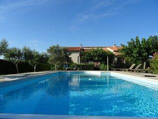 Villa au Pied du Ventoux... Piscine Chauffee, Transats, Wi-Fi, Linges de Maison