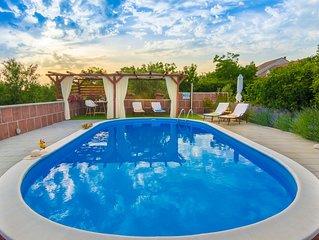 Luxus Villa mit großem Pool und ruhiger Umgebung - Ideal für Familien