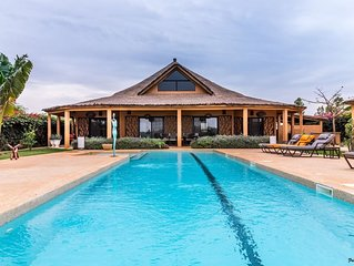 La villa faune, une magnifique villa bord de lagune, piscine privative 15 m