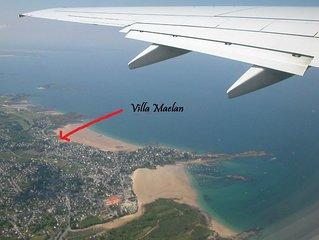 villa face à la mer, plage à quelques mètres, village de charme, nature sauvage