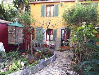 Petite Maison Fond De Jardin Au Centre De Marseille