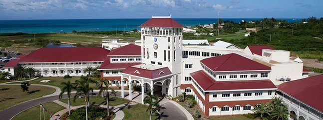 American University of Antigua is near by-7 minute walk!
