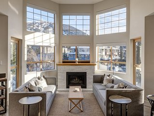 Deluxe 3 Bedroom In The Village With Exceptional Views Of Whistler And Blackcomb