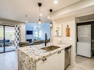 Gorgeous remodeled Condo near Old Town