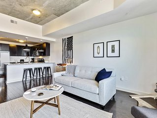 Cheerful 1BR w/ Gym + Pool in Uptown Charlotte