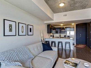 Lovely 1BR w/ Pool + Gym in Uptown Charlotte