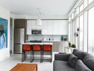 Designer 2BR | Lounge | Downtown by Lyric