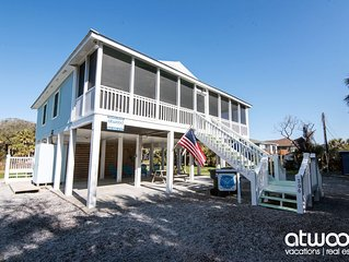 Heaven on Harrelson - Adorable 4BR Home w/ Easy Beach Access & Screened Porch