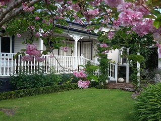 Guthrie Cottage In the Village of Havelock North
