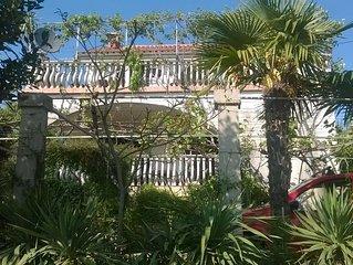 Apartments Krk Kiwi-NENA