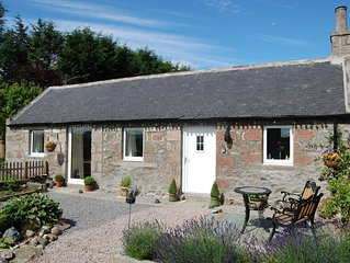 Acorn Bothy cottage in glorious Aberdeenshire ideal for couples or singles