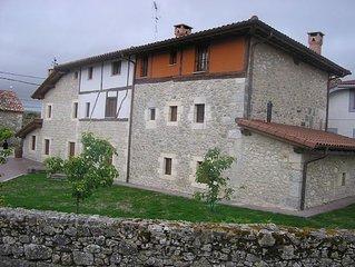 Casa rural (alquiler integro) Aldeas de Trevino para 17 personas