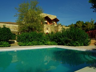 15th century stone house: Villa Myrto - close to Chios port & airport