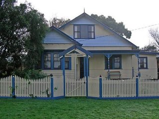 Inverloch - Willow Cottage (Linen and Towels Included)