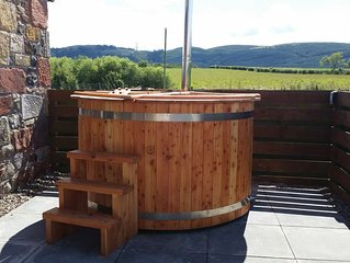 Luxury 4*Cottages with Private Use Hot Tub in beautiful Perthshire Valley