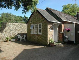 Grooms Cottage - Lyminster