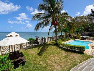 Belle villa pieds dans l'eau a L'ile Maurice Baie Du Tombeau