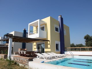 Pool villa-D, near the beach and the golf course of Rhodes, private pool-garden