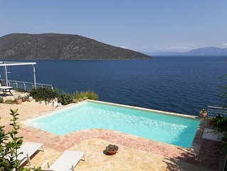 Luxury villa with private beach and swiming pool with fantastic see view