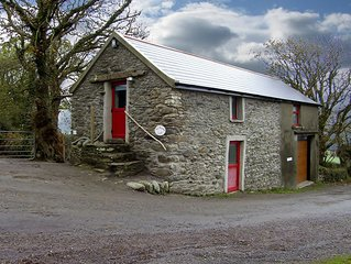 Detached Barn Conversion for 2/3
