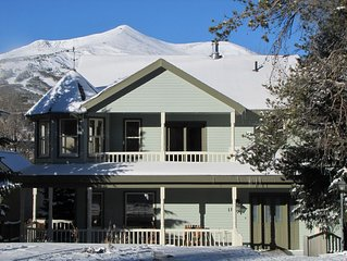 Downtown 4 Bedroom Home in Historic District, with fabulous mountain views