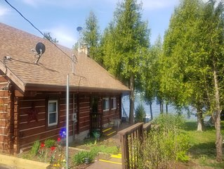 Bayside Log Home Waterfront, WiFi, 3 bedrooms, Direct TV, Fire Pit
