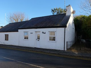 2 bedroom property in Amlwch and North Anglesey Heritage Coast. Pet friendly.