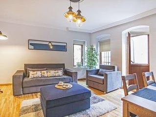 Sea view elegant apartment with balcony near Galata Tower