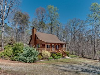 AWESOME Pet Friendly Cabin - 7 Minutes To Tryon International Equestrian Center