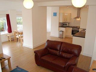 Luxury Apartment, Stunning Sea Views, Private Use of Heated Indoor Pools