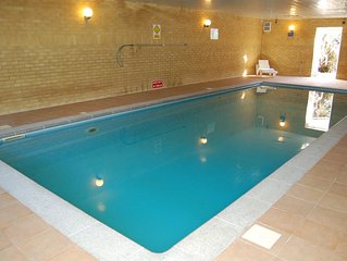 Modern Large Apartment, Spectacular Sea Views and use of Indoor Heated Pool