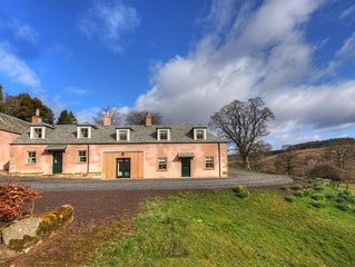 BRAEBURN COTTAGE -  relaxed living on a private country estate close to Jedburgh