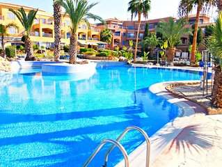 Kato Paphos - Exclusive 2 Bed Townhouse in Prime Tourist Area - Stunning Pools