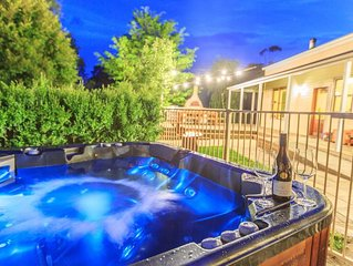 Outdoor hot tub, wood fire pizza oven, family and pet friendly set on 50 acres