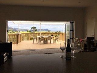 Modern Luxury with Sea Views - Tauranga Bay