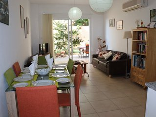 centre of Peyia village, 2 Bedrooms, communal Pool, Patio/garden, BBQ free wifi