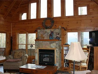 Large Log Home-Hot Tub, Pool Table, Horse/Hiking Trails, Near Boone