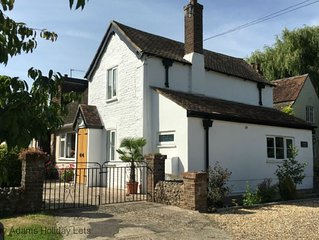 Springwell , West Wittering -  a cottage that sleeps 4 guests  in 2 bedrooms